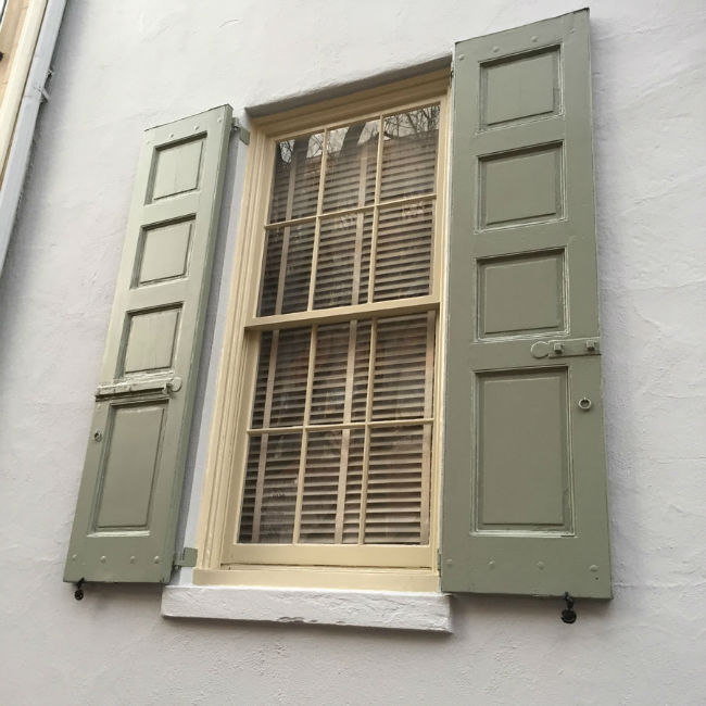 Shutter Repair & Painting in Society Hill Philadelphia