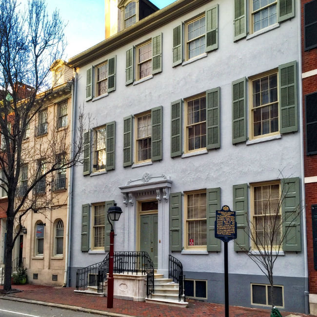 Society Hill Kitchen Cabinets: Shutter Repairs And Painting In Society Hill Philadelphia